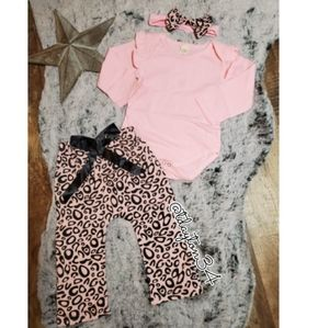 Other - NWT baby/toddler A+++quality 3 piece outfit